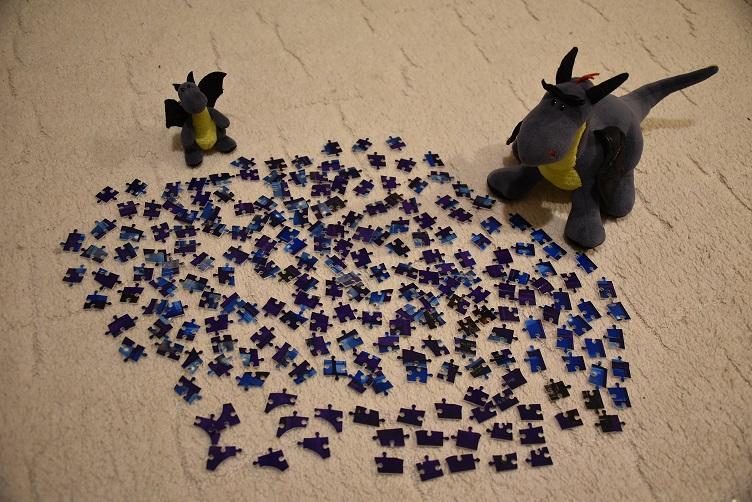 Luna und Lina puzzeln