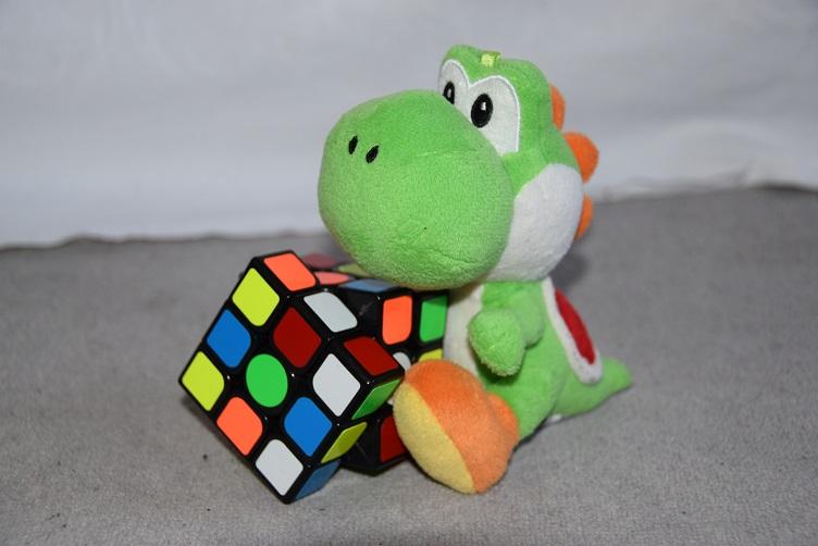 Yoshi mit Zauberwürfel