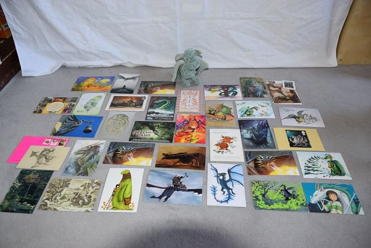 Ivy präsentiert Drachenpostkartensammlung