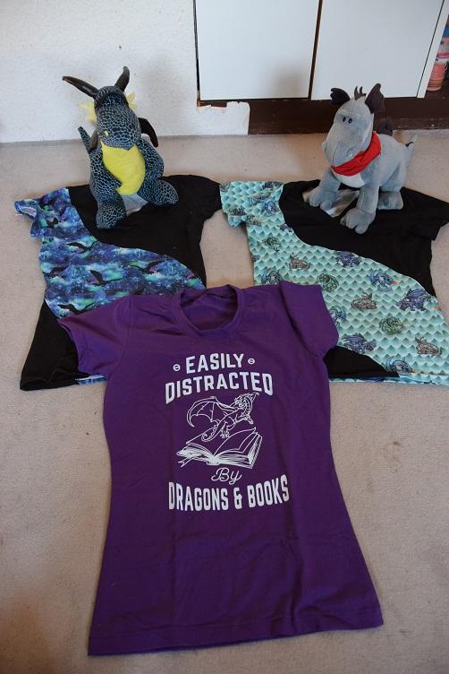 Kiwii und Sirius präsentieren gemeinsam Drachen-T-Shirts