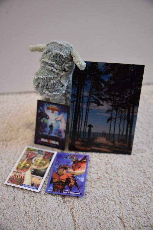 Ivy mit Postkarte