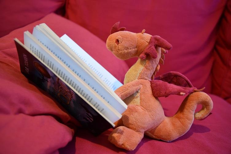"""Paffina liest """"Der kleine Hobbit"""""""