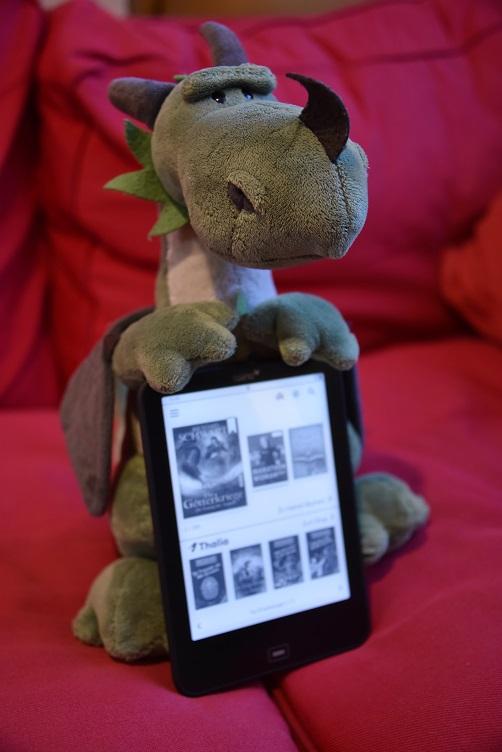 Päffchen posiert mit eBook-Reader