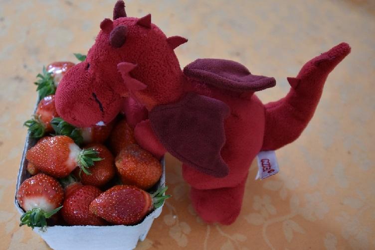 Flämmchen mit Erdbeeren