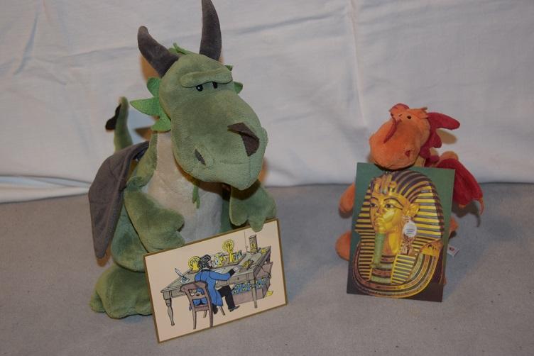 Päffchen und Paffina mit ihren Postkarten
