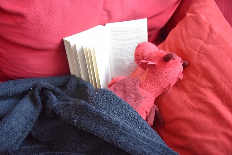 Ruby liest ein Buch