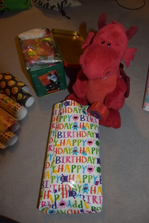 Ruby packt Geschenke ein