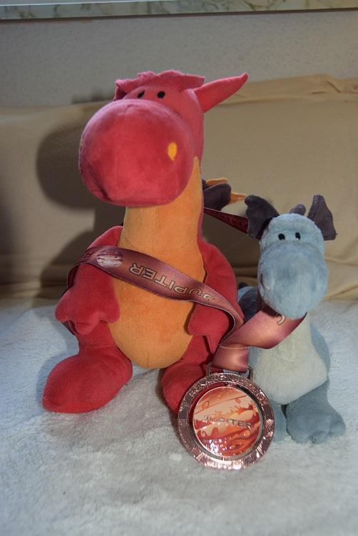 Chilli und Saphira mit Medaille