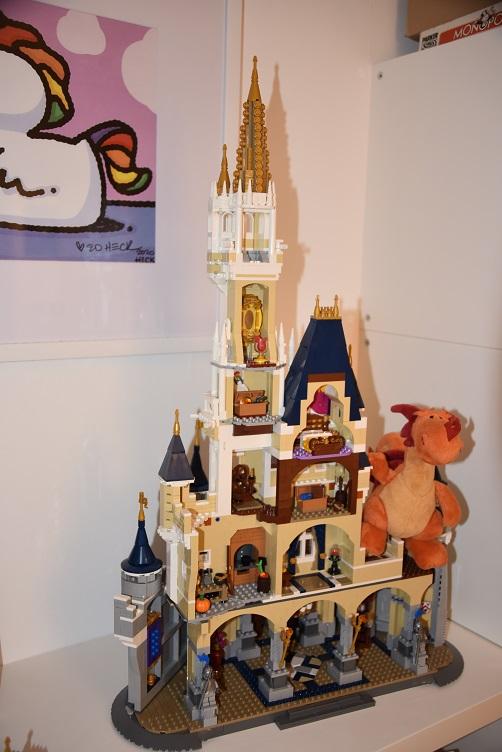 Paffina sucht den Schatz im Lego-Disney-Schloss