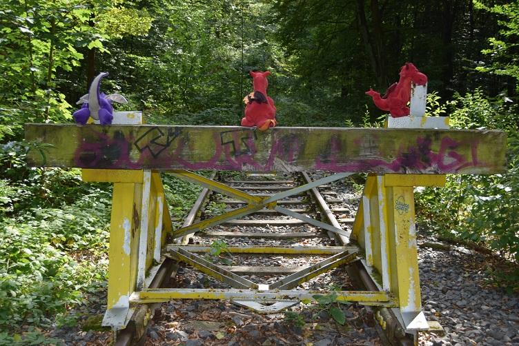 Ruby, Violetta und Chilli beim Prellbock