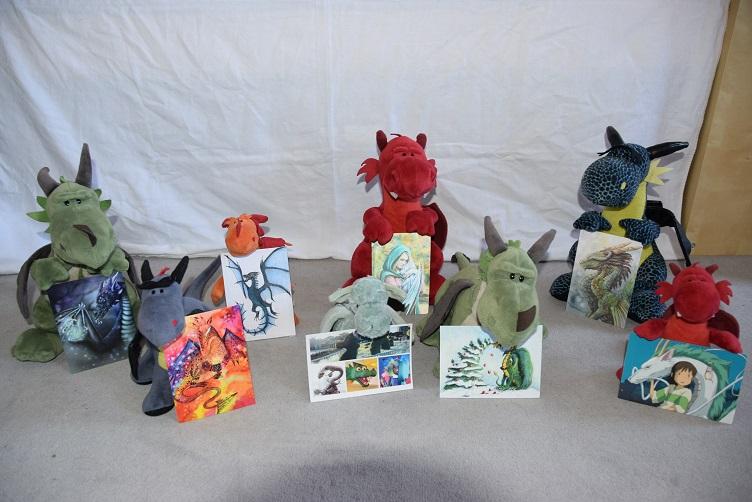 Drachis mit Drachenpostkarten
